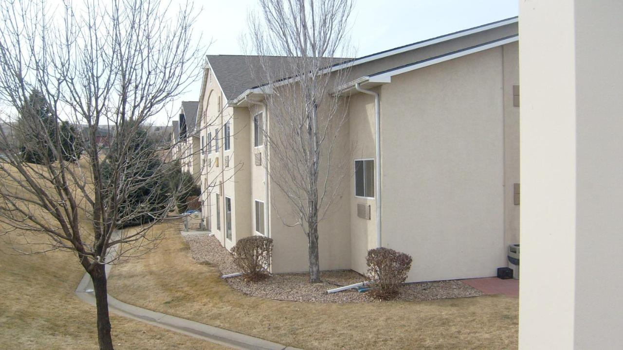 Hotels In Applewood Colorado