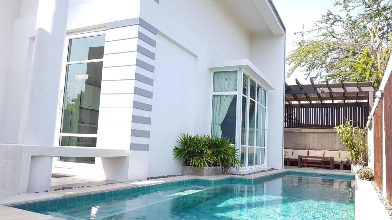 Paknampran 2 Bedrooms Pool Villa, Pran Buri, Thailand - Booking.com