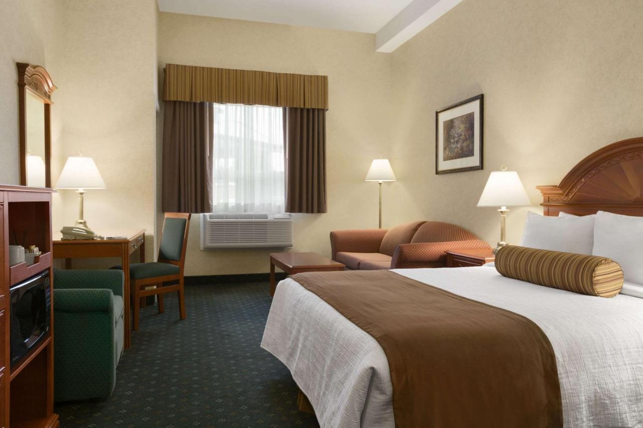 travelodge strathmore canada booking com rh booking com