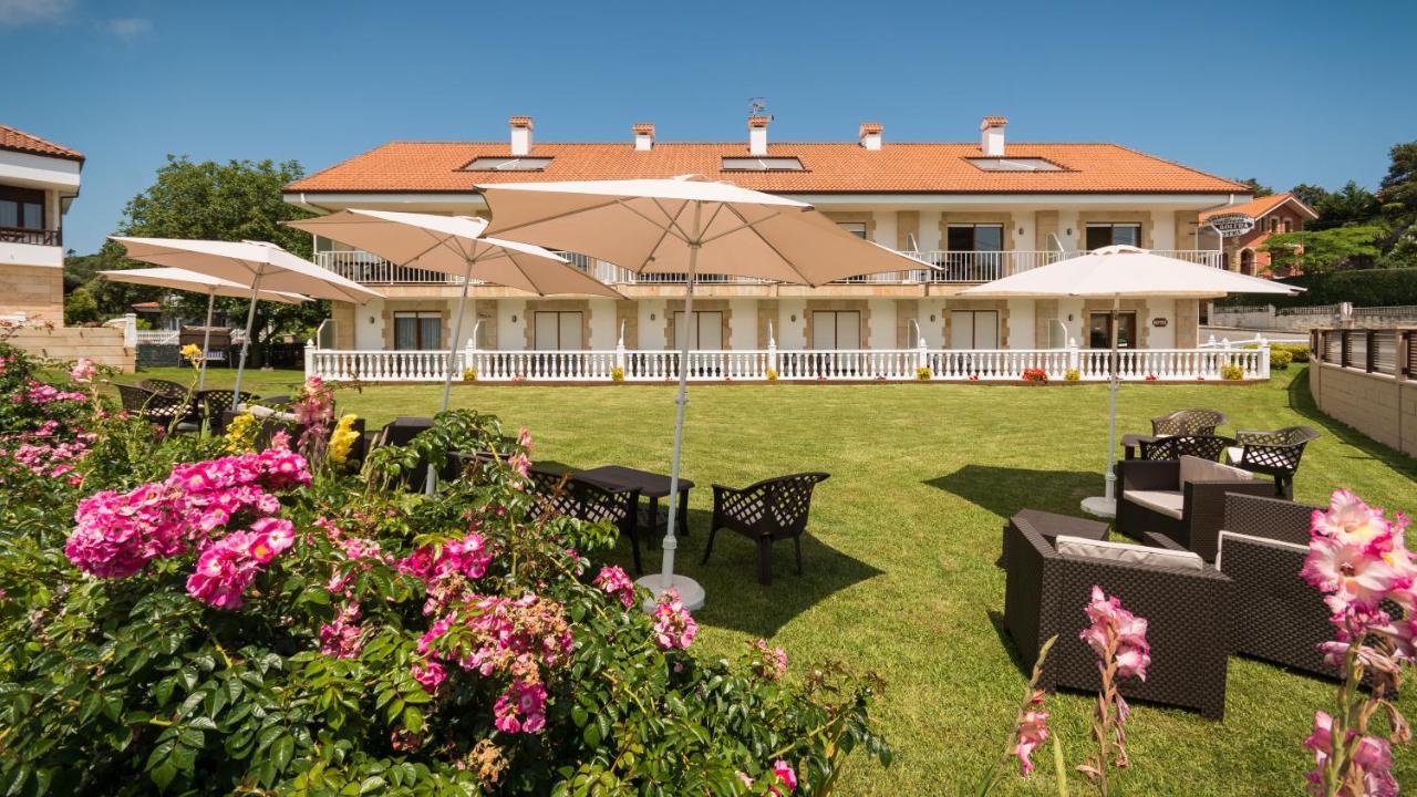 Hotels In Isla Cantabria
