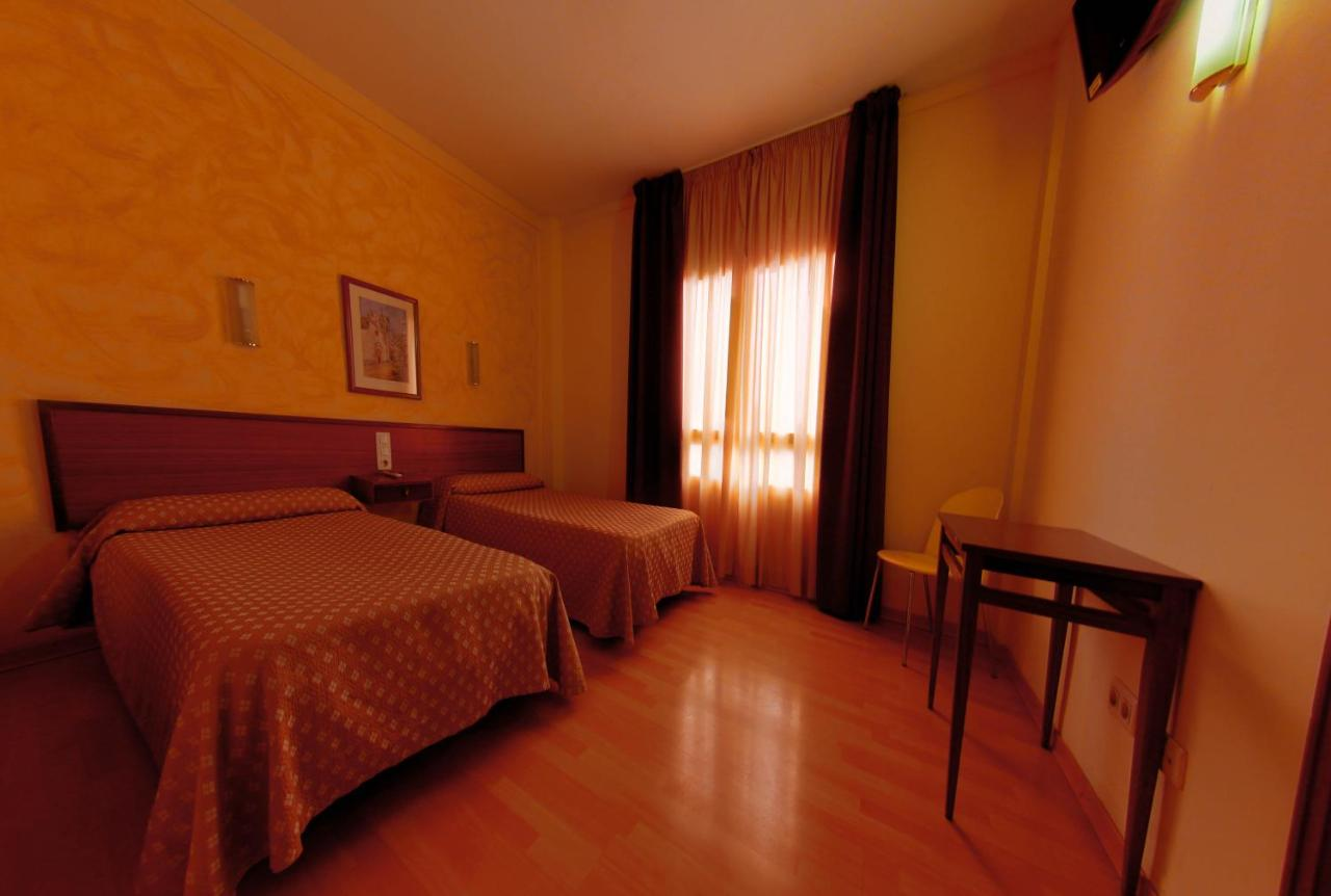 Hotels In Riudecols Catalonia