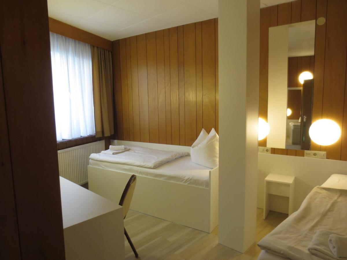 Central Hotel Tegel Deutschland Berlin Booking Com