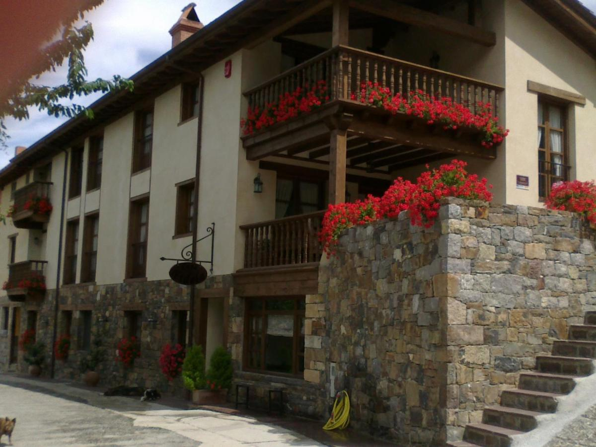 Guest Houses In Lomeña Cantabria