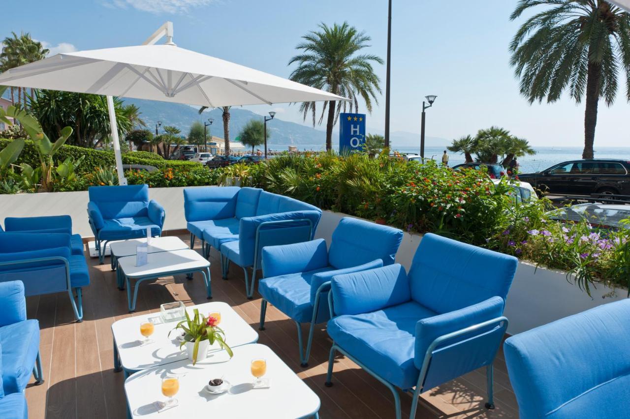 Rent a Stelvio Quadrifoglio in Roquebrune-Cap-Martin hotel