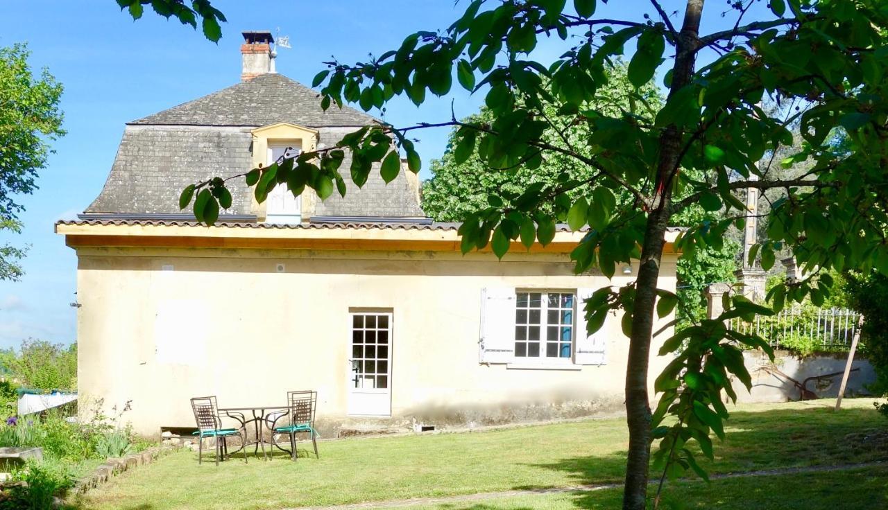 Guest Houses In Saint-amand-de-vergt Aquitaine