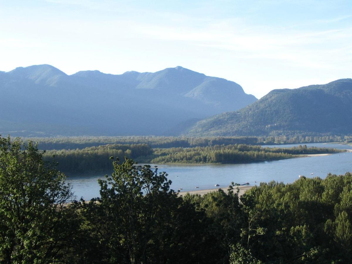 Bed And Breakfasts In Deroche British Columbia