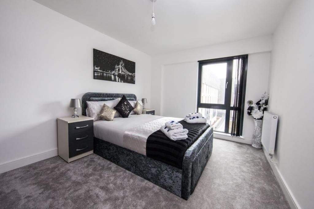 Luxury Modern One Bed Apartment Birmingham Uk Bookingcom