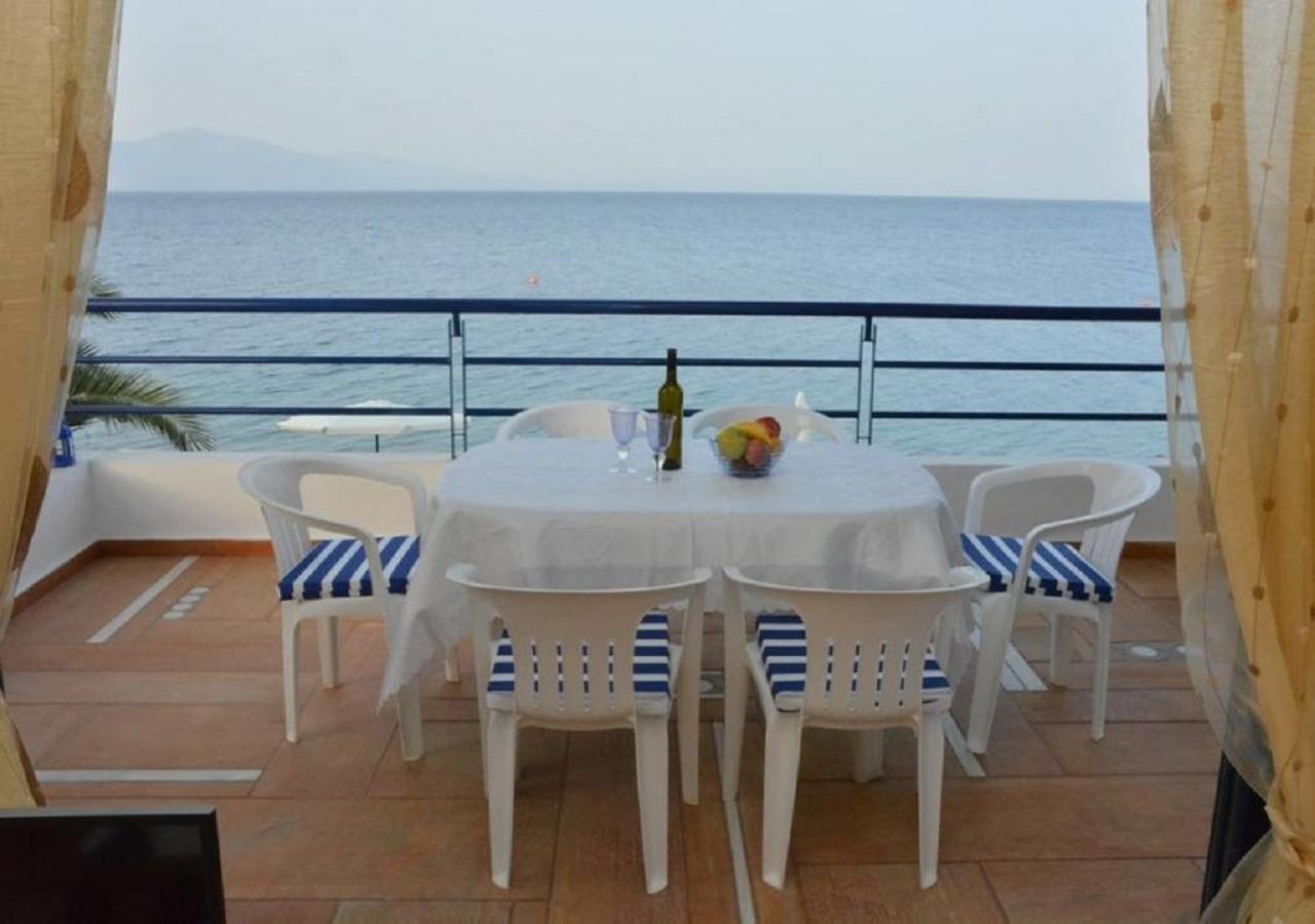 Kamari Beachfront Apartments, Xylokastron, Greece - Booking.com