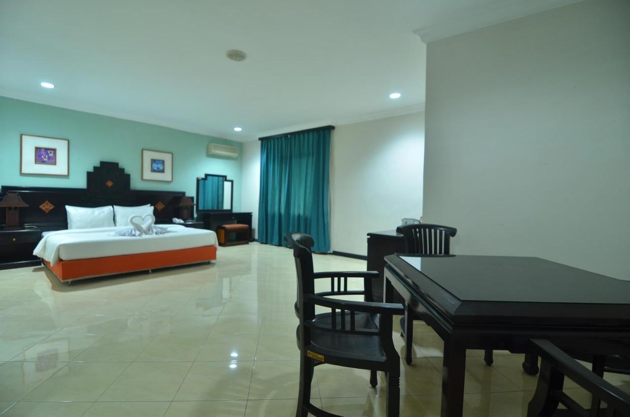 sofia hotel juanda, Sidoarjo – Updated 2018 Prices