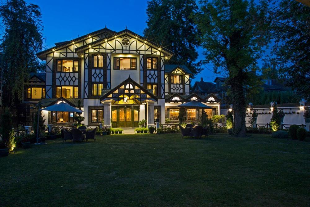 lemon tree hotel srinagar srinagar updated 2019 prices rh booking com