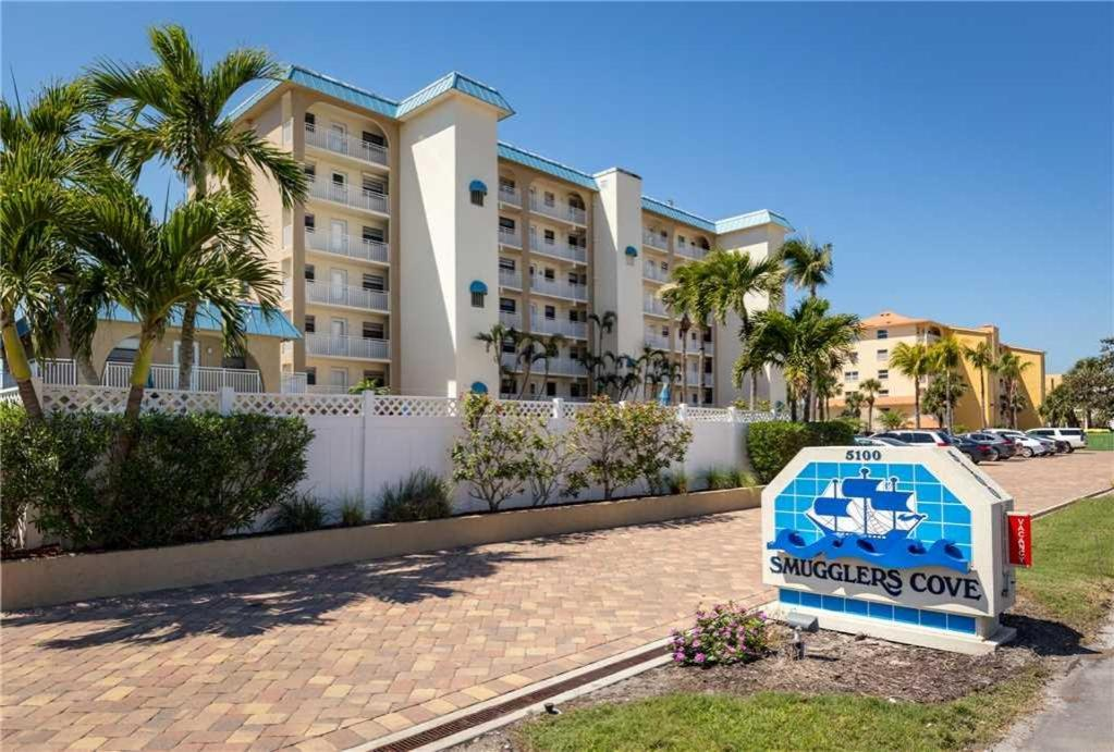 Smuggler S Cove 5b5 Two Bedroom Condo Fort Myers Beach Fl Booking