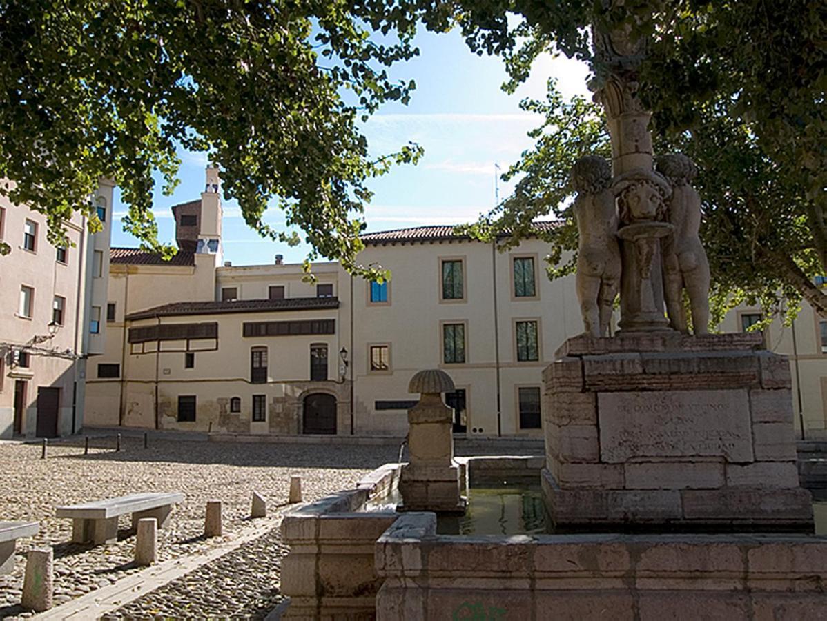 Hotels In Chozas De Abajo Castile And Leon