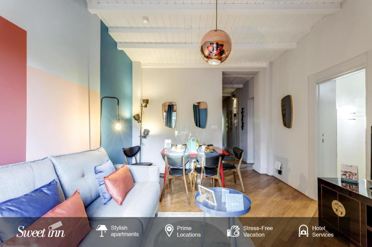 Looks - Stylish trevi apartment video