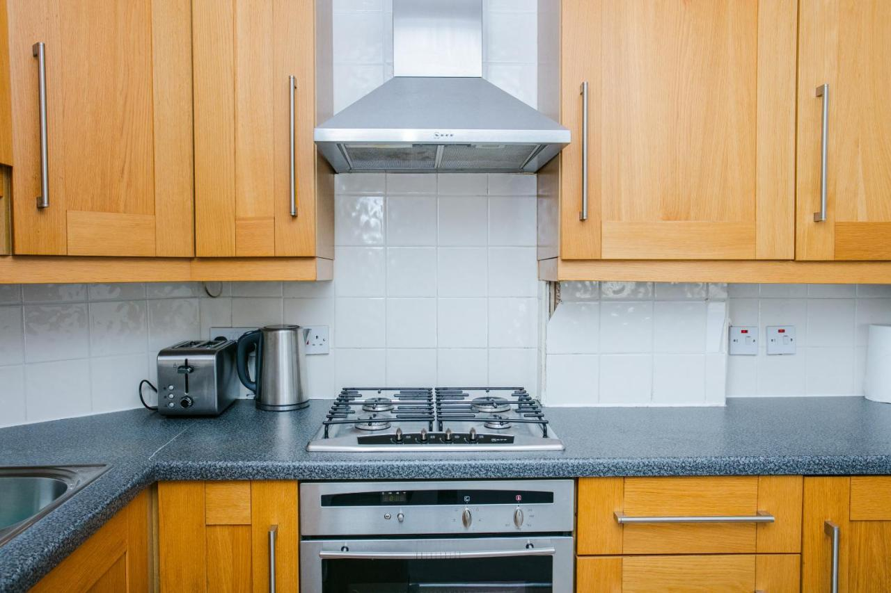 Amazing Two Bed Cottage in Victoria Park Village, London – Updated ...