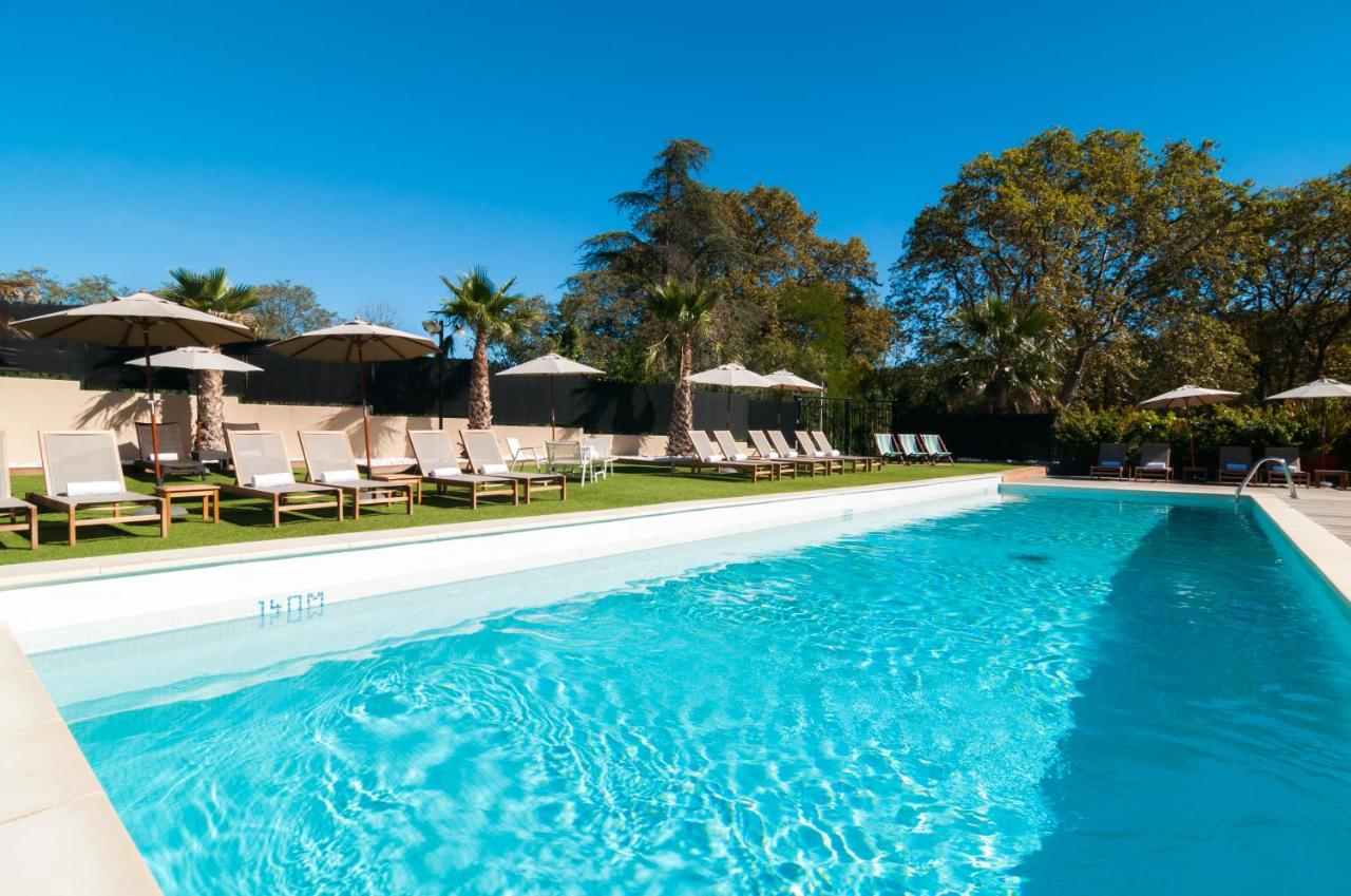 Hotels In Roussières Languedoc-roussillon