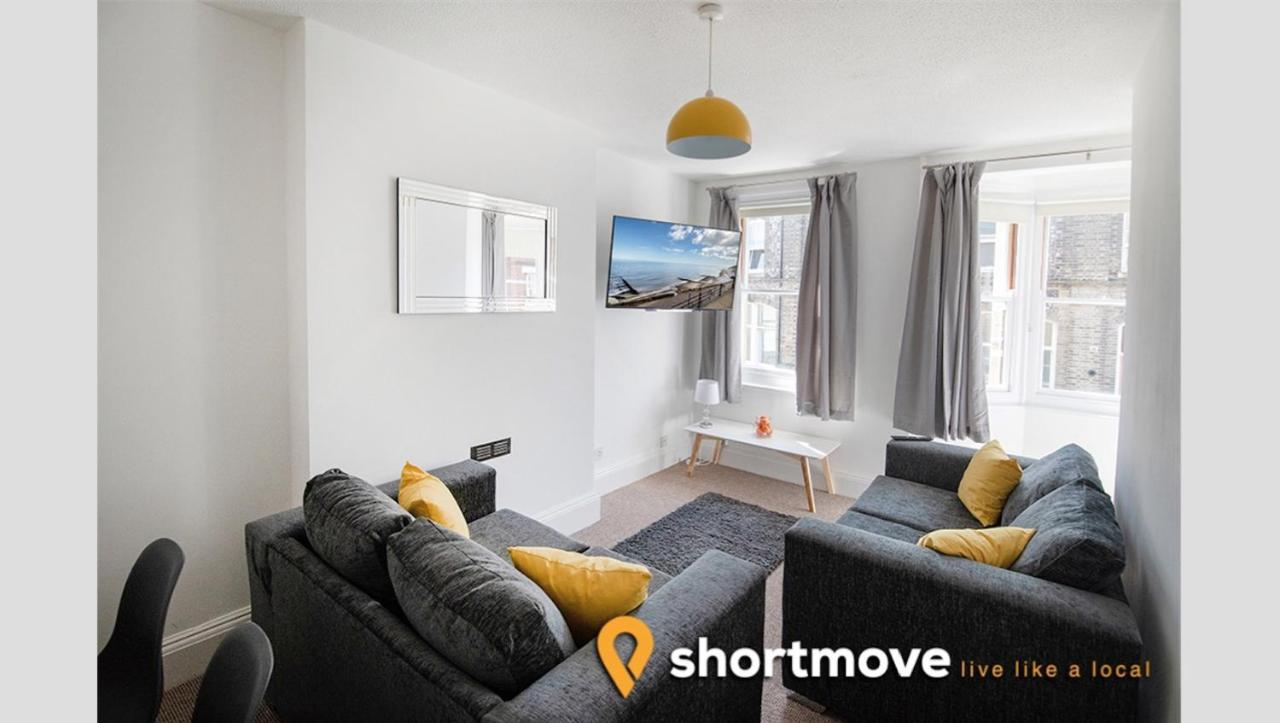 Apartment Shortmove Oakes House Cromer Uk Australia Silicon Chip Online Wiring Looking At Light Switches