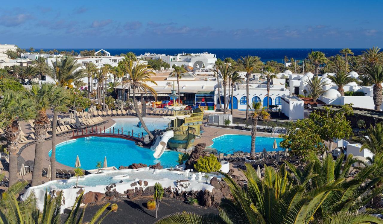 Resorts In El Cuchillo Lanzarote