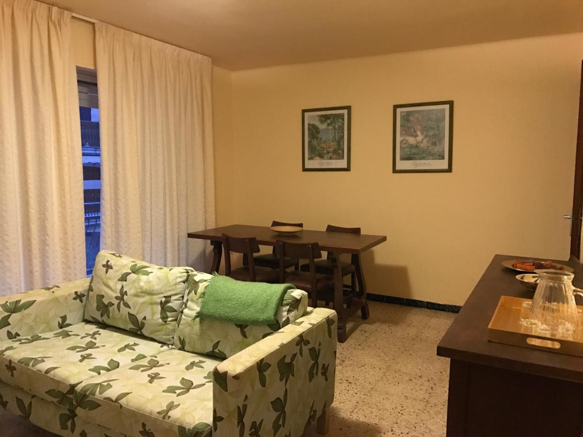 Yola Apartaments (España Sant Vicenç de Calders) - Booking.com