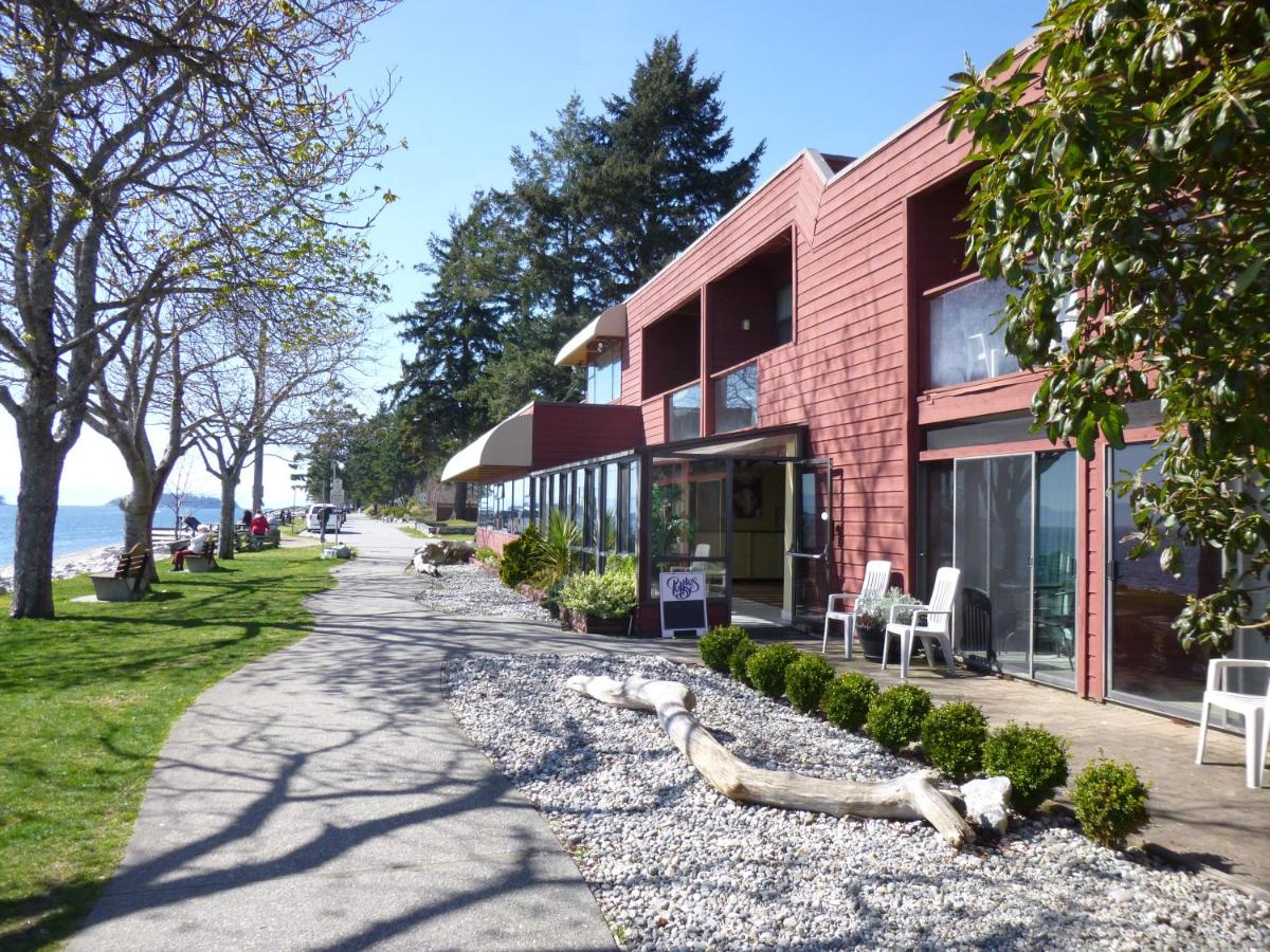 Hotels In Redroofs British Columbia