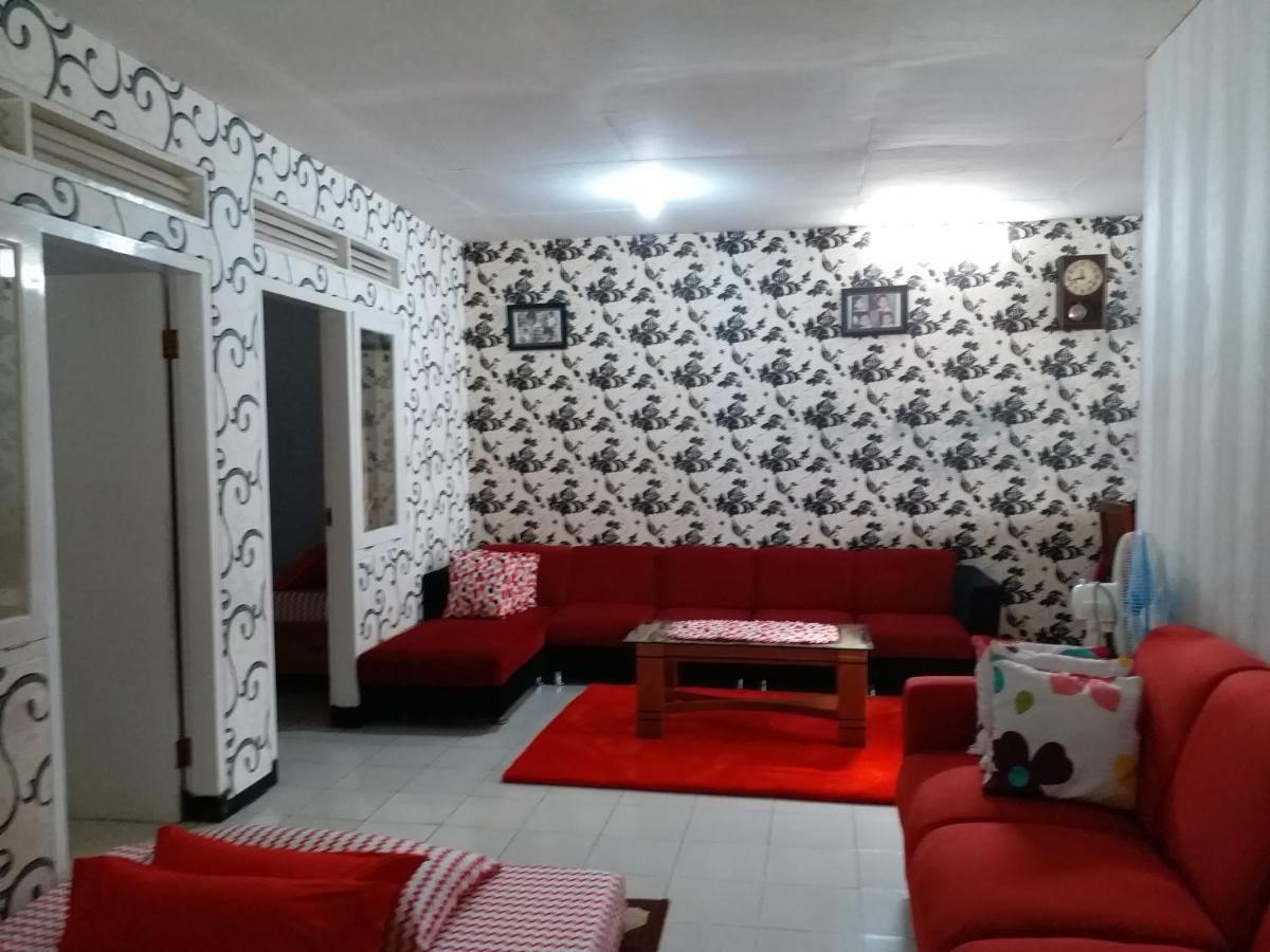 Vacation Home Rumah Sedayu, Batu, Indonesia - Booking.com