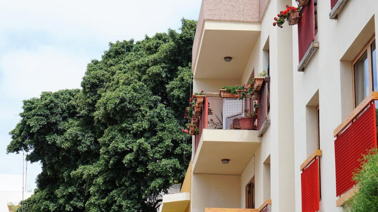 Hotel Habitacion con bano, Las Palmas de Gran Canaria, Spain ...