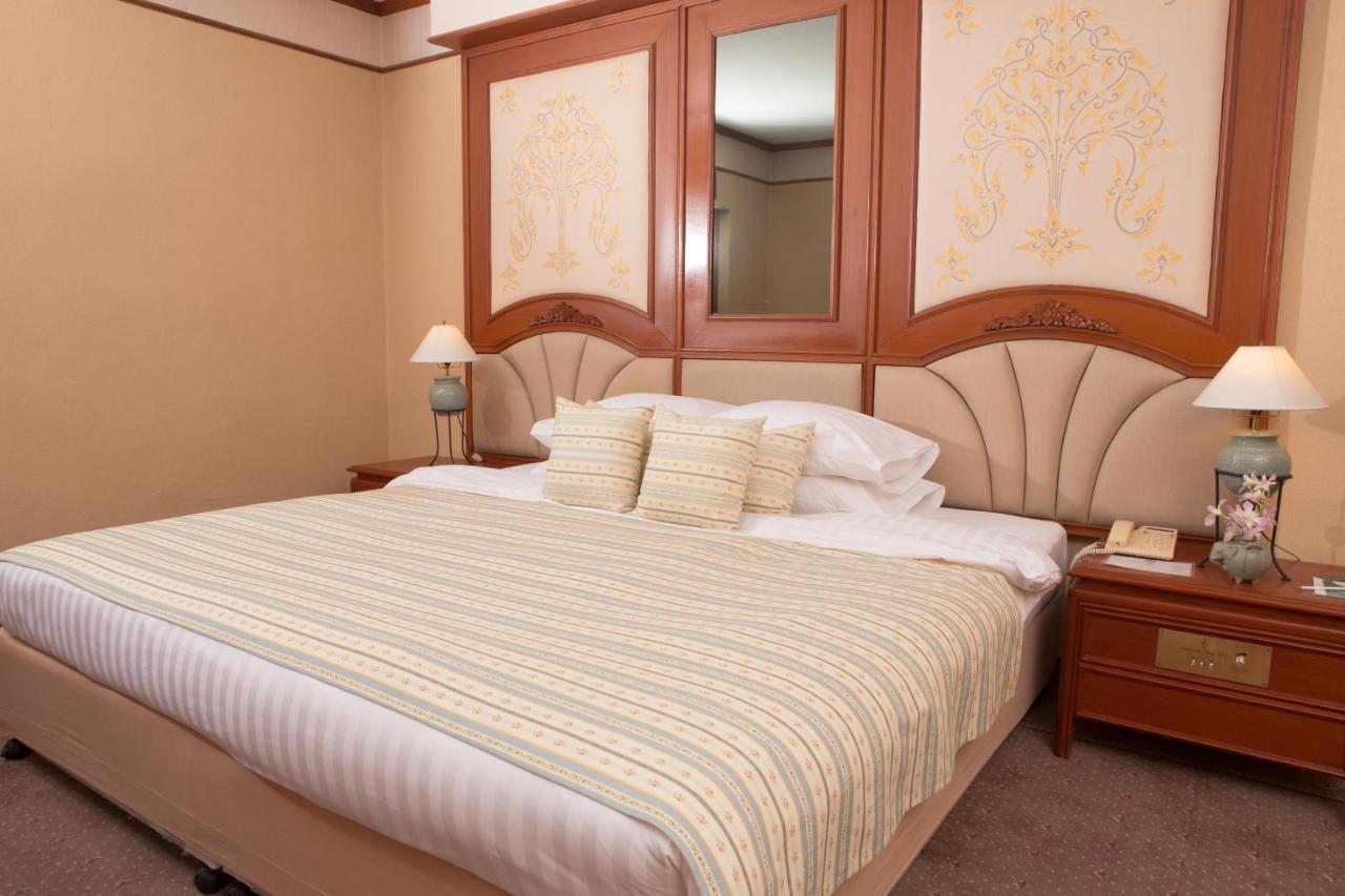 Chiangmai Plaza Hotel Thailand Chiang Mai Booking Com