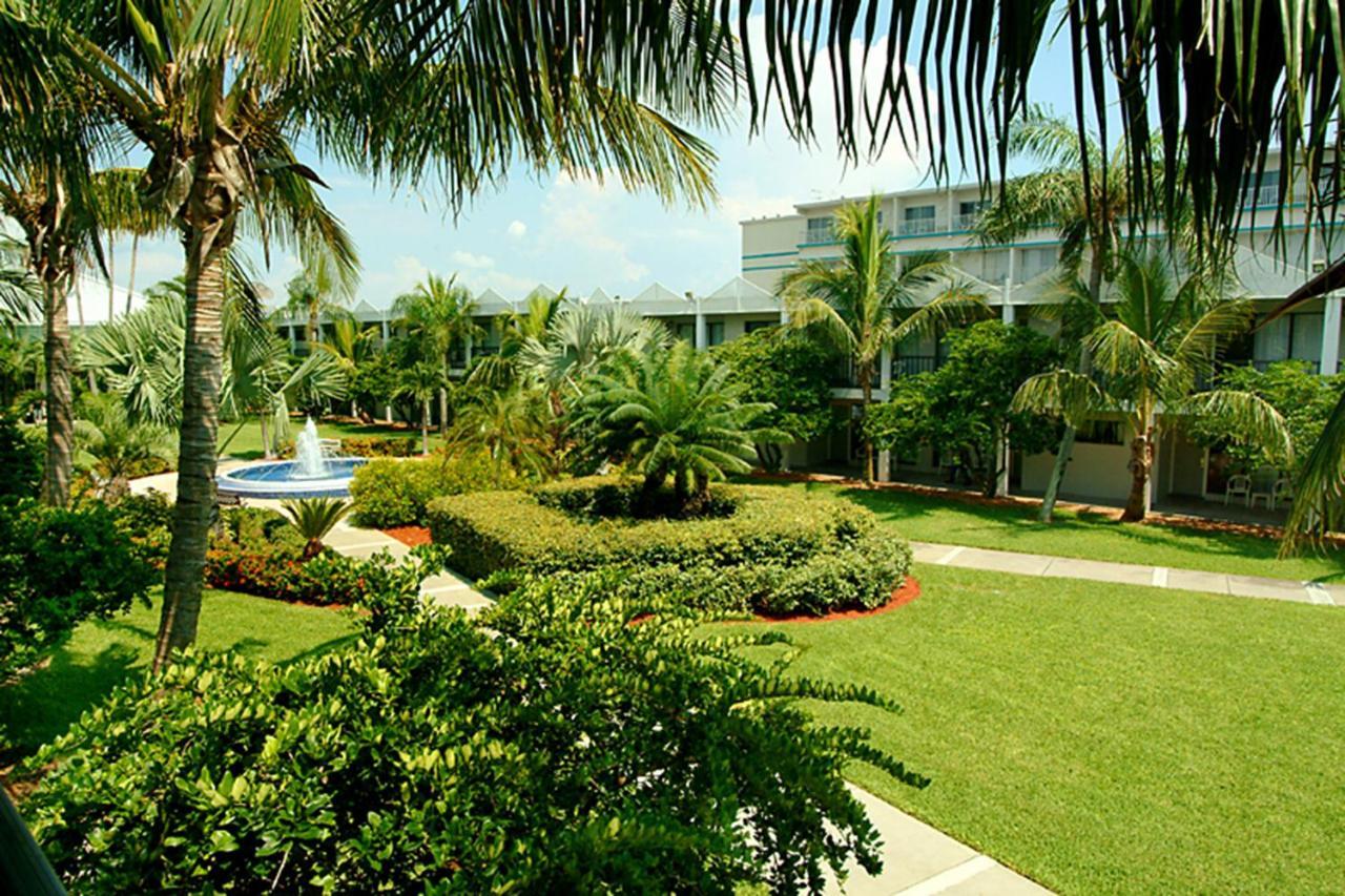Beachcomber Beach Resort & Hotel, St Pete Beach – Updated 2018 Prices