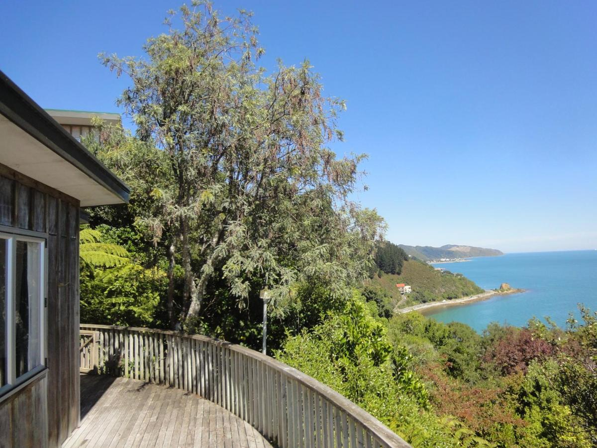 Gumtree house facing whole Wellington harbour, Lower Hutt – Updated