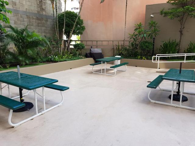 3a0bf4ce10c Inn on the Park Waikiki