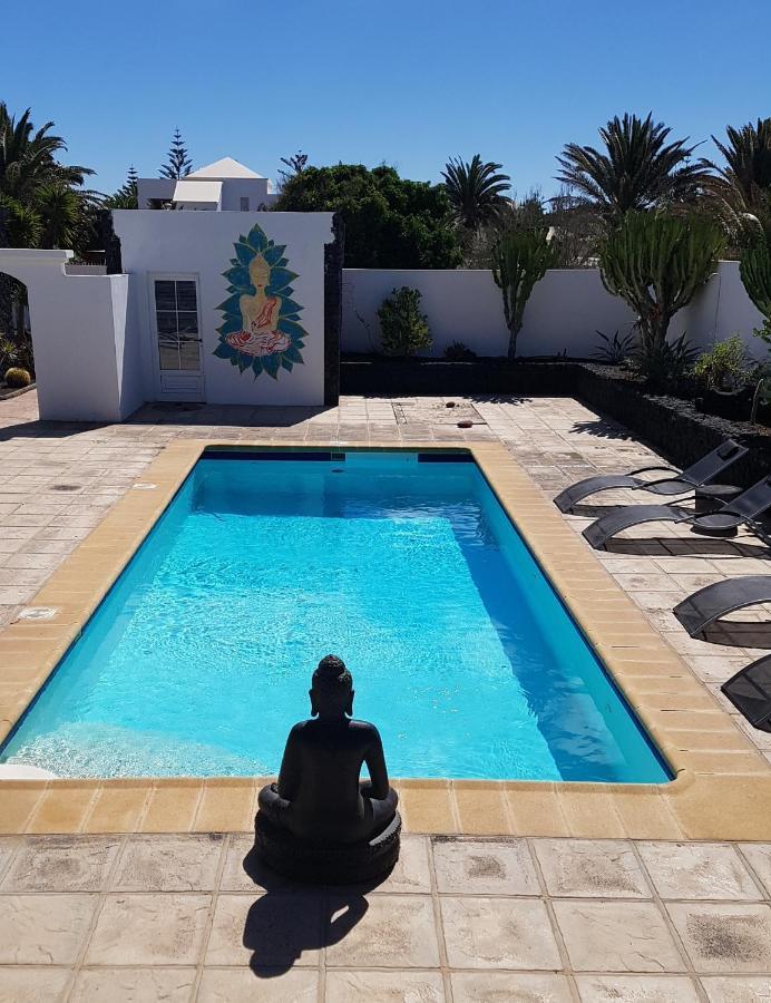 Guest Houses In El Islote Lanzarote