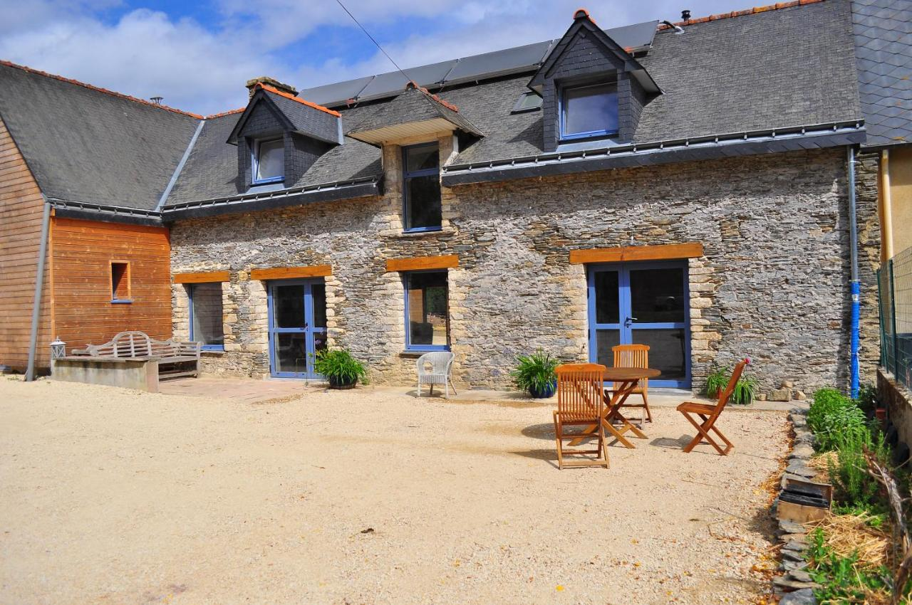 Guest Houses In Vieux Taupont Brittany
