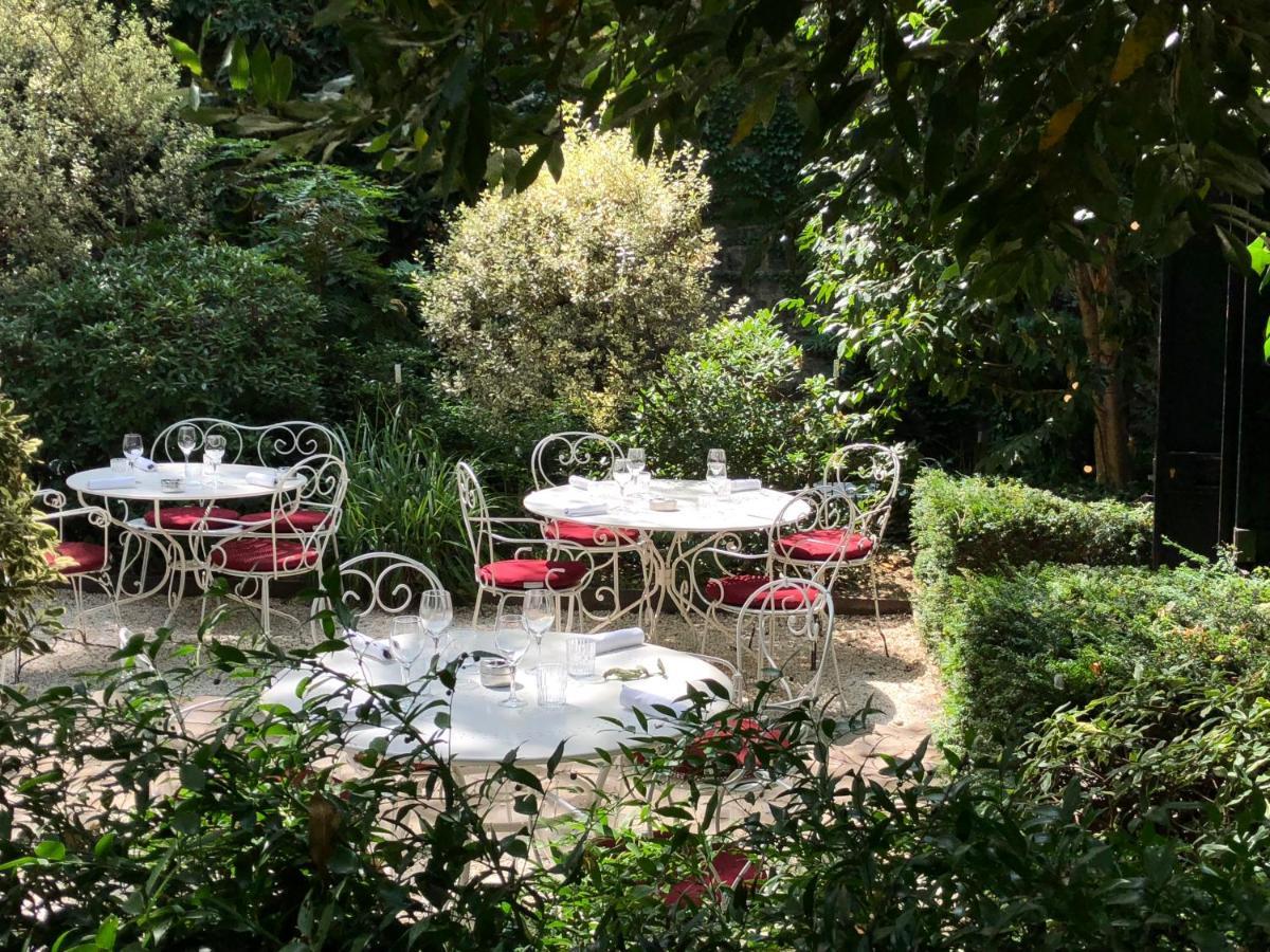 Hotel Particulier Montmartre Paris France Booking Com