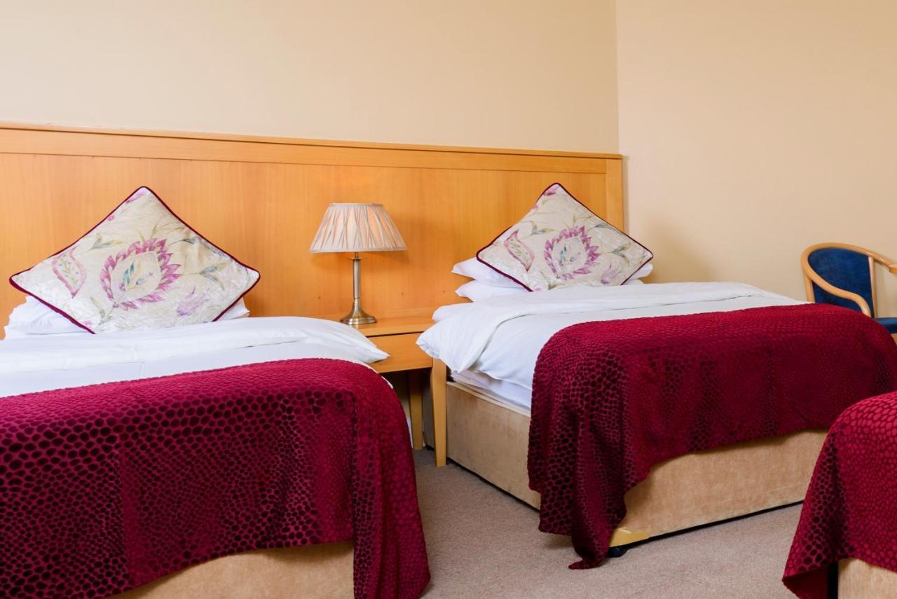 Dingle Bay Hotel, Ireland - Booking.com on
