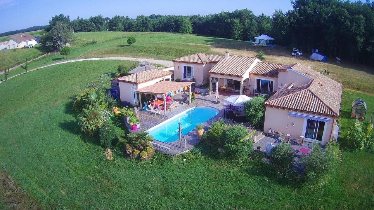 Guest Houses In Virazeil Aquitaine