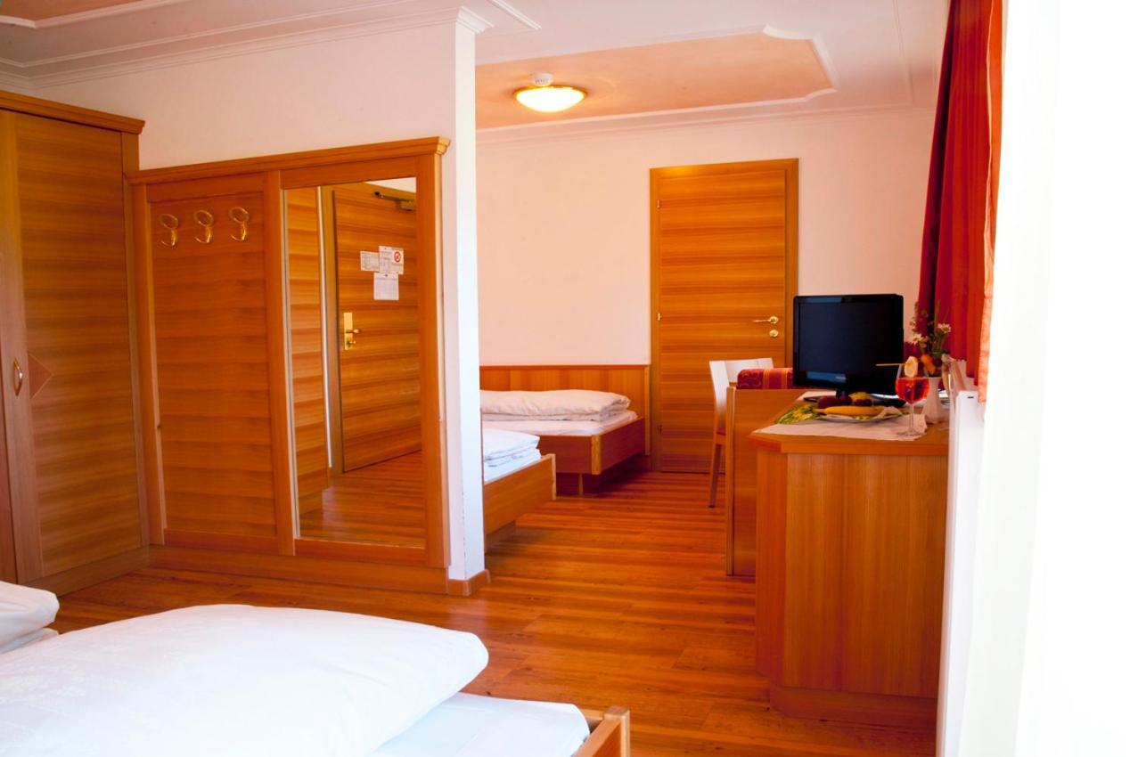 Hotel Tannenhof (Italien Bruneck) - Booking.com