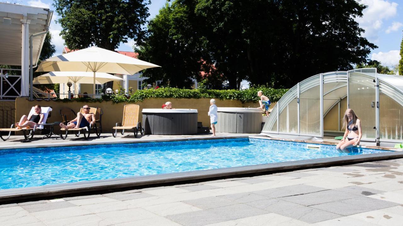 Hotel skansen färjestaden sweden