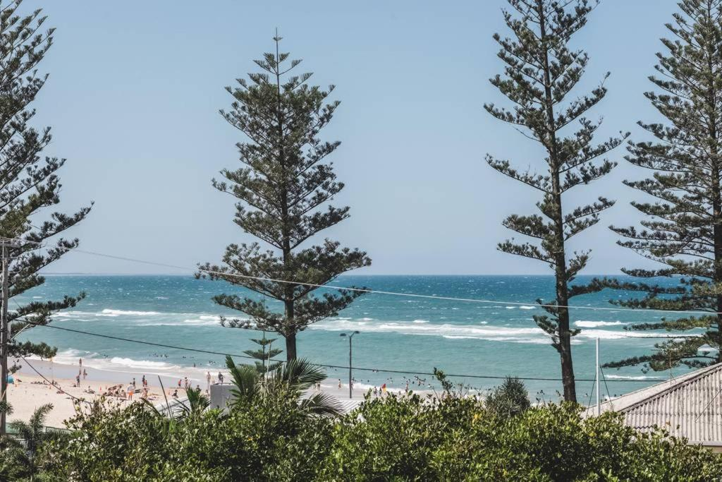 Stunning Burleigh Beach Apartment, Gold Coast, Australia - Booking com