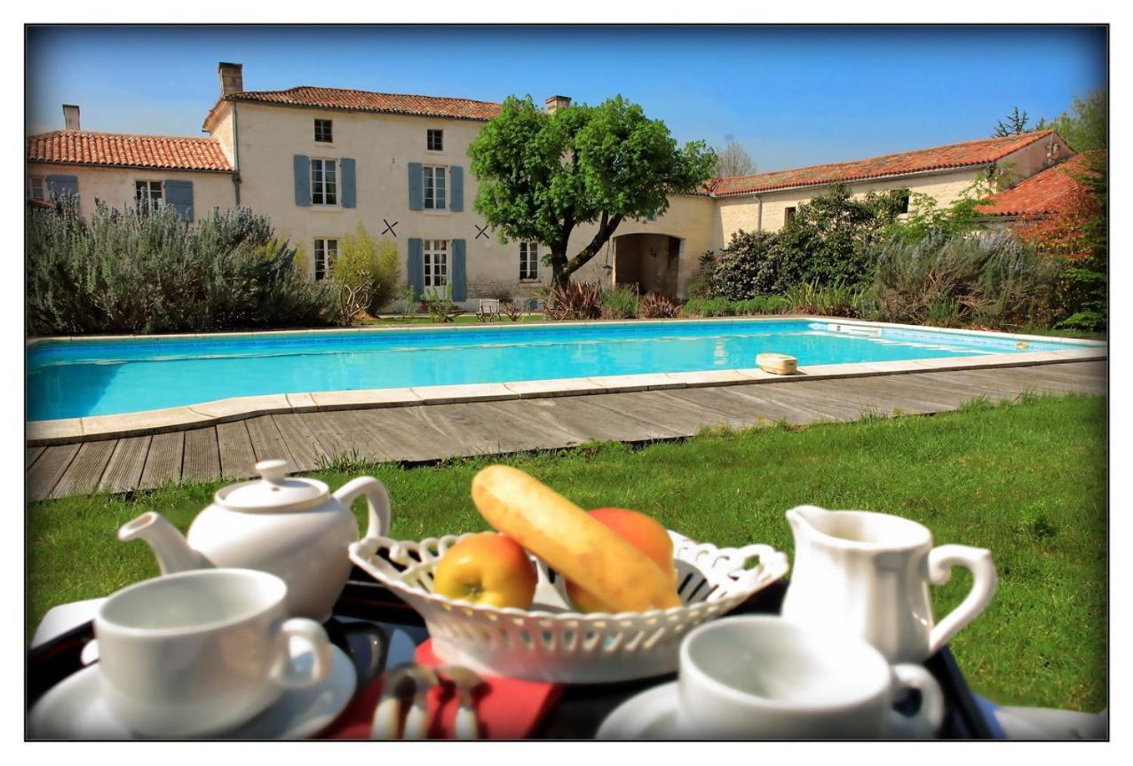 Bed And Breakfasts In Saint-hilaire-des-loges Pays De La Loire