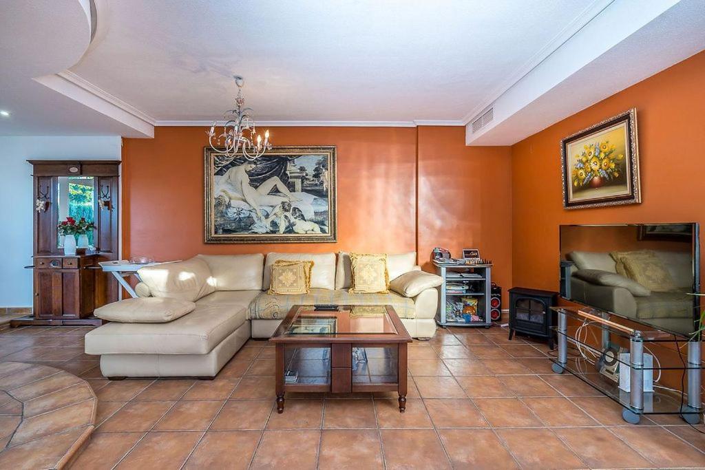 Casa En El Campo Del Golf De Playa De San Juan, Alicante ...