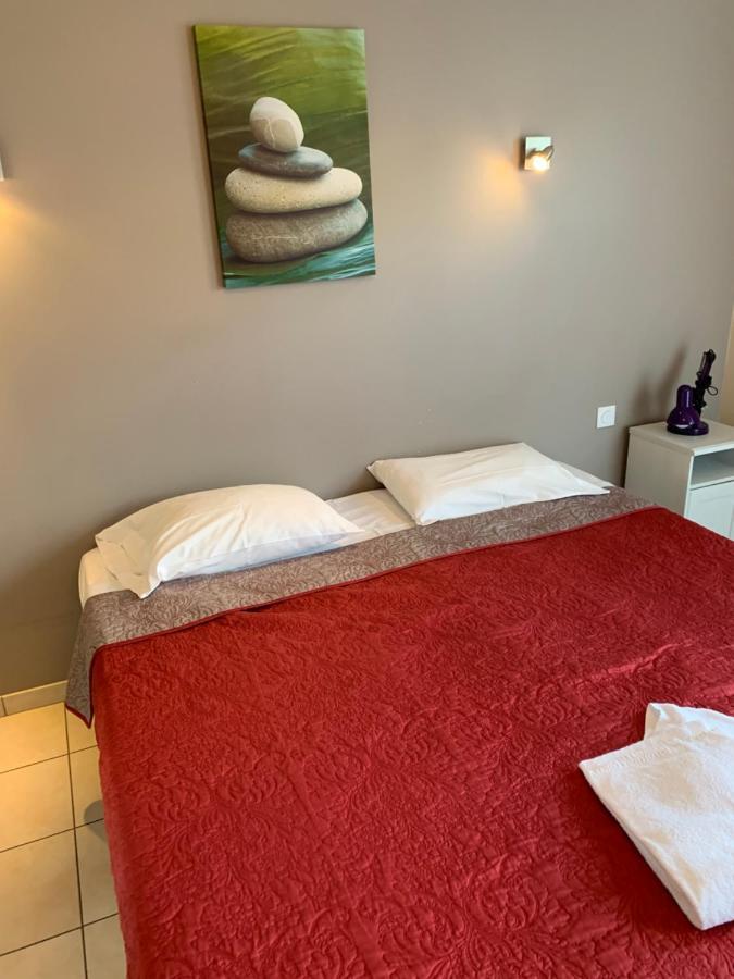 Hotels In Saint-caprais-de-blaye Aquitaine
