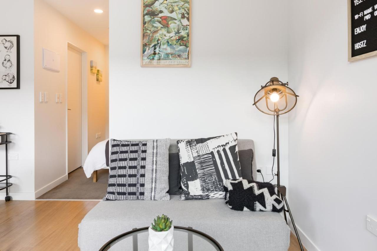 Brand new modern studio apartment in central queen street apartment auckland new zealand deals