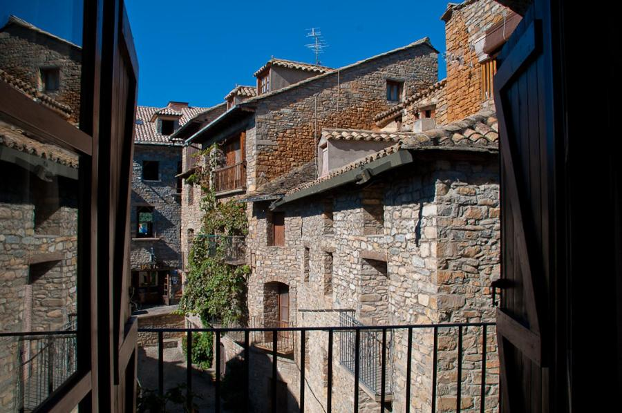 Hotels In Oncins Aragon