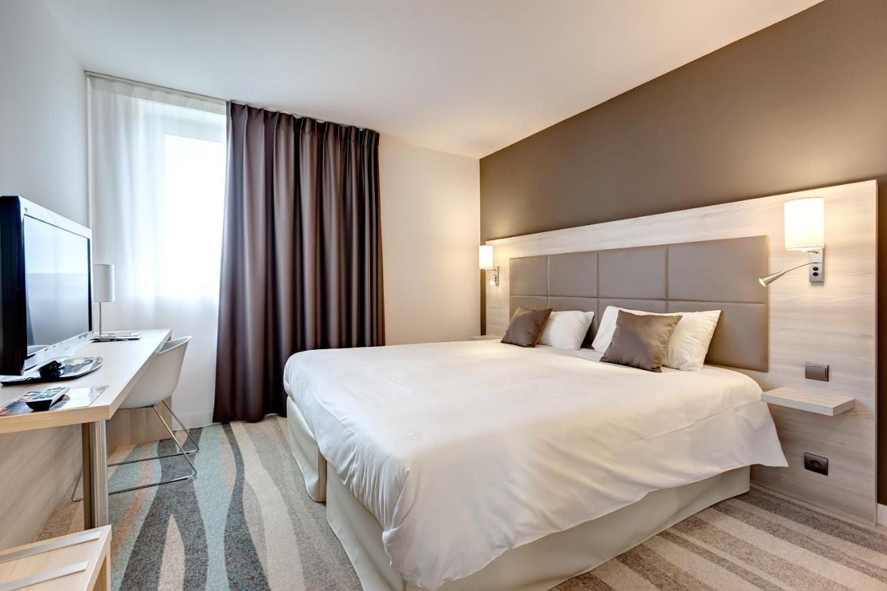 Hotels In Nieul-le-dolent Pays De La Loire
