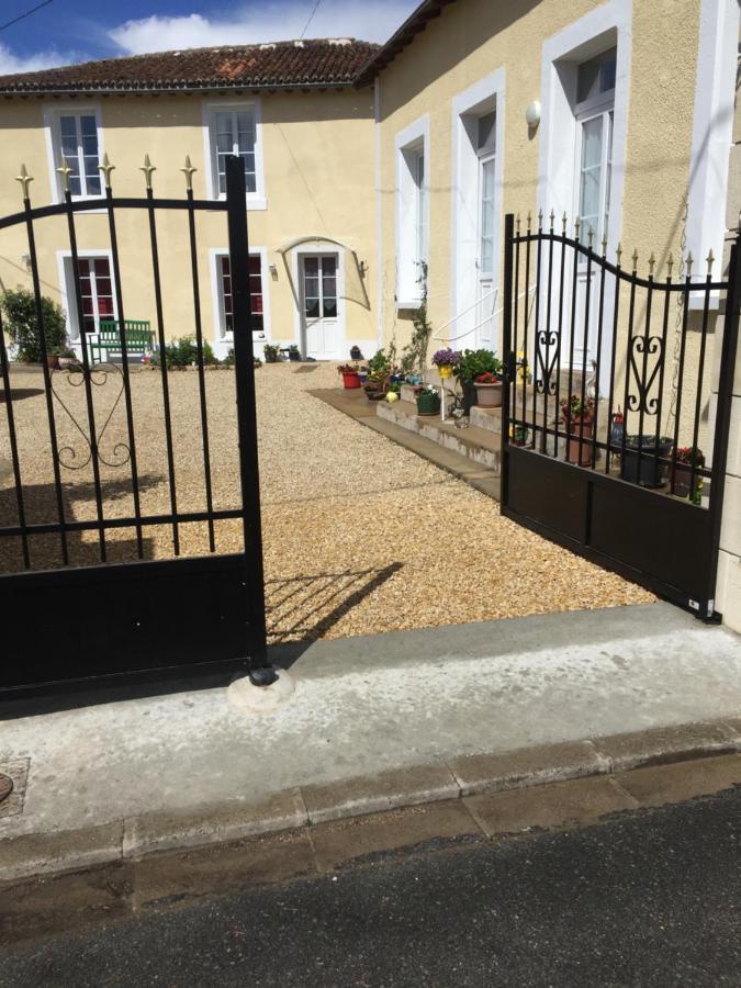 Guest Houses In Saint-jouin-de-marnes Poitou-charentes
