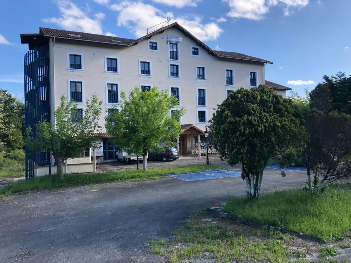 Hotels In Saint-étienne-d'orthe Aquitaine