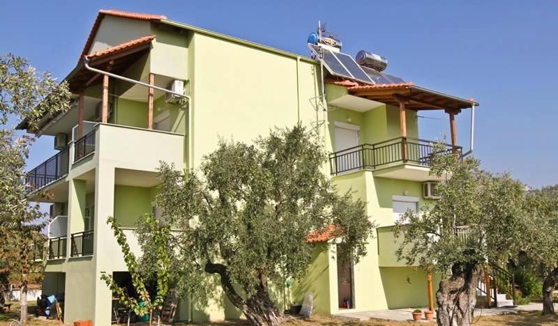 Rania studios apartments о тасос