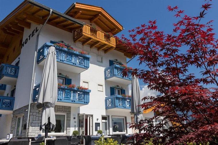 Hotel Milano Italien Tione Di Trento Booking Com
