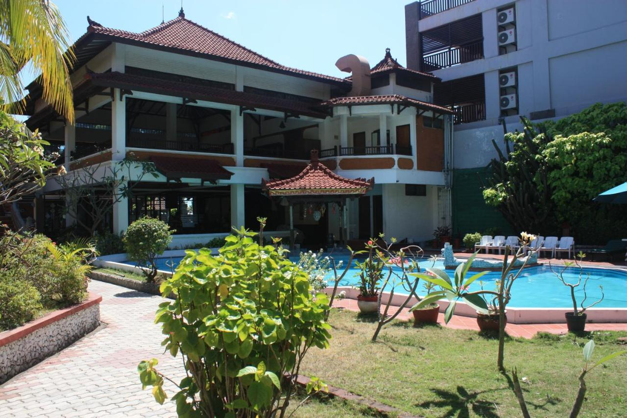 Hotel Puri Tanah Lot Puri Naga Beachfront Cottages Legian Bookingcom