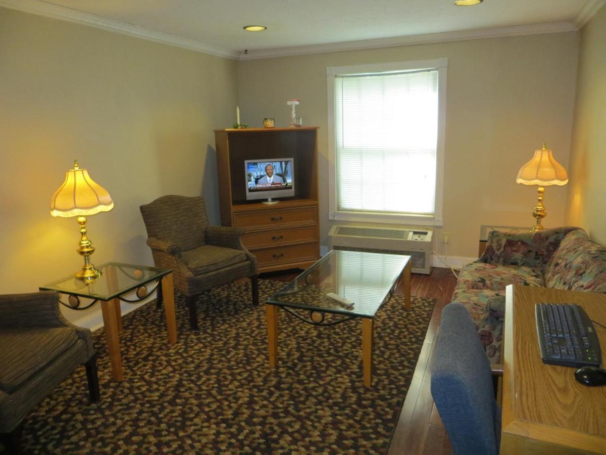 Americourt Hotel Mountain City Americourt Hotel Elizabethton Tn Bookingcom
