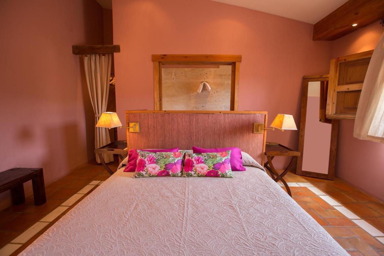 Guest Houses In El Robledo Castilla-la Mancha